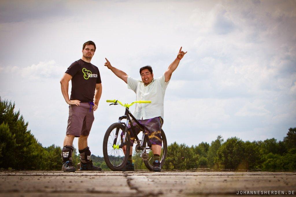 Quatsch beim Räder-Fotoshoot
