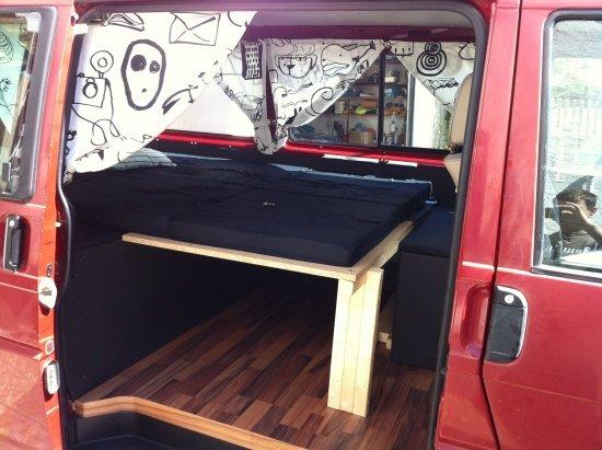 foto liegefl che ausgezogen mit faltmatratzen seitlich. Black Bedroom Furniture Sets. Home Design Ideas