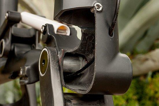 Bergamont Fastlane Carbon - Hauptdrehpunkt und Leitungsführung für Remote Sattelstützen